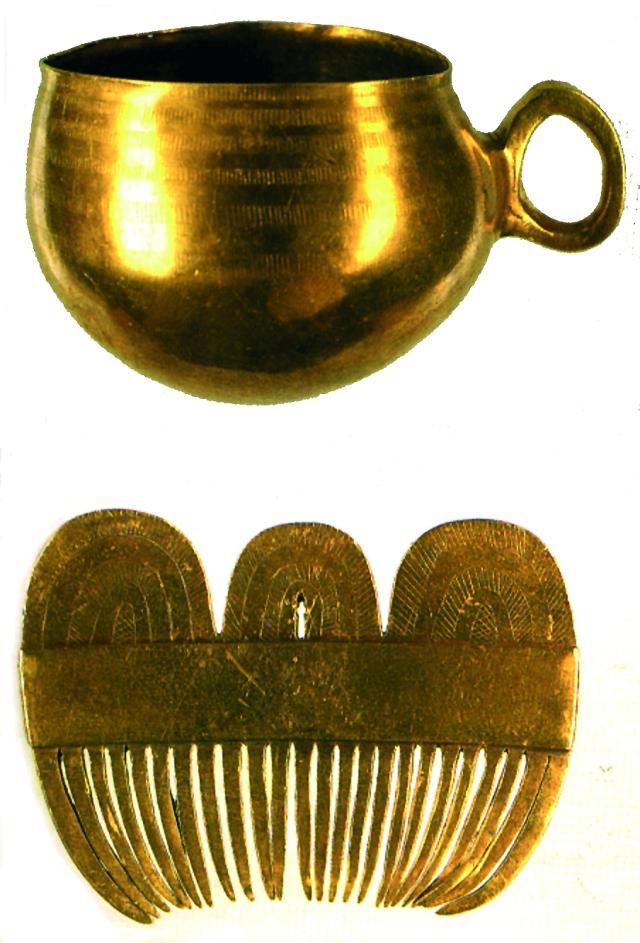Ola e pente de ouro, seguramente, un agasallo do heroe para a Mater (Pena).