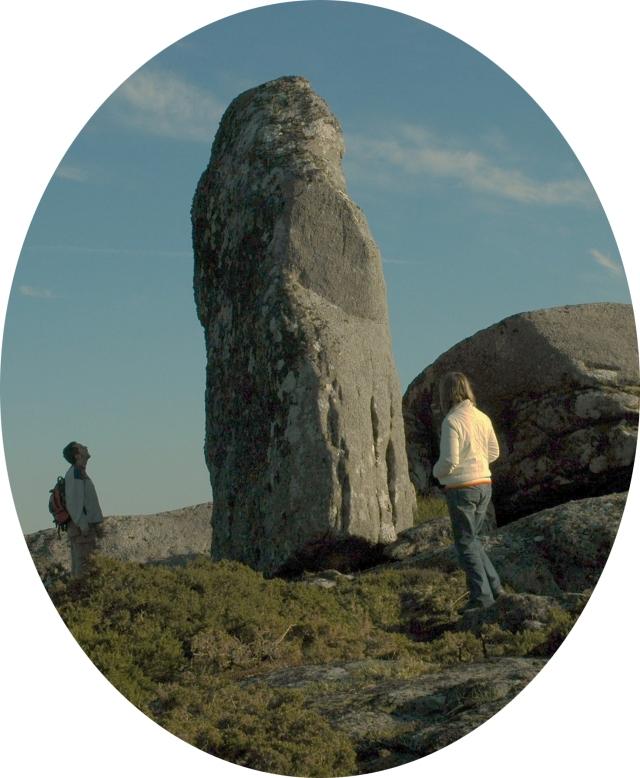 Monumental pedra fita do Marco do Vento. Monte do Seijo. Cerdedo. Galiza.